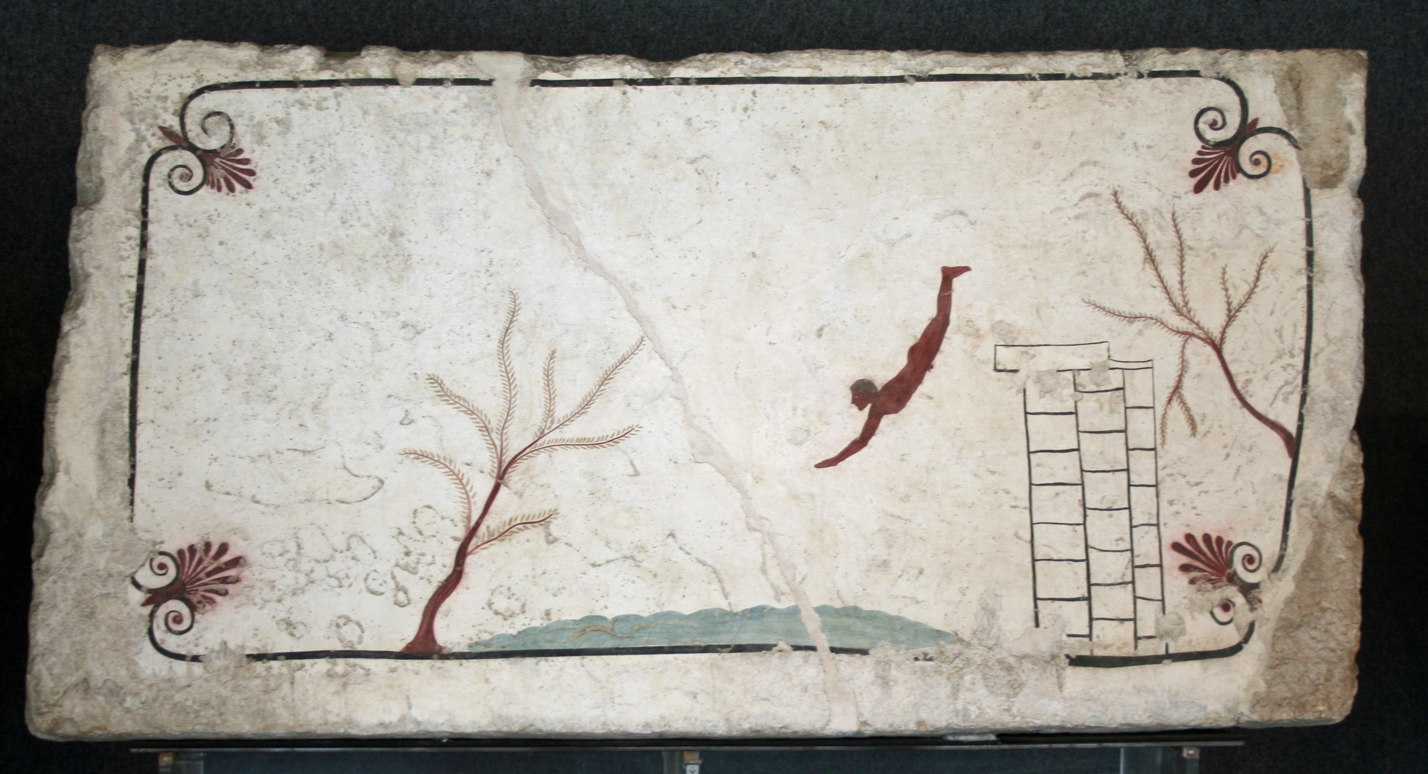 The_Tomb_of_the_Diver_-_Paestum_-_Italy[1]